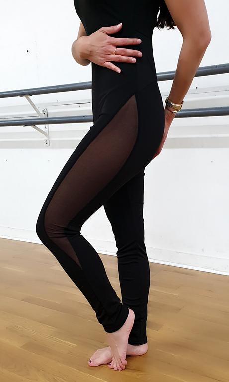 Kenza détail jambe (Copier)